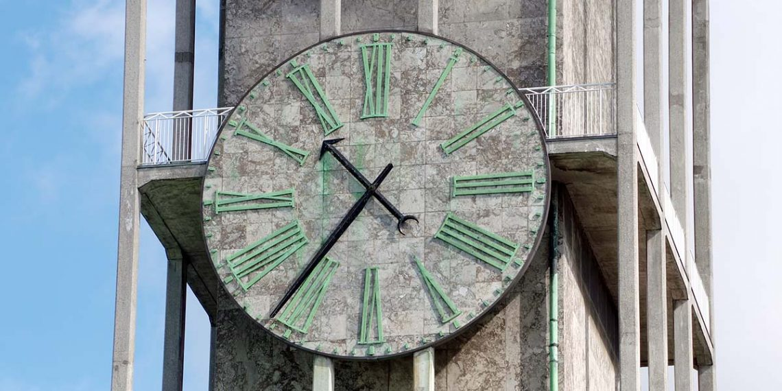 Den store viser på rådhusets tårnur er 3 meter lang